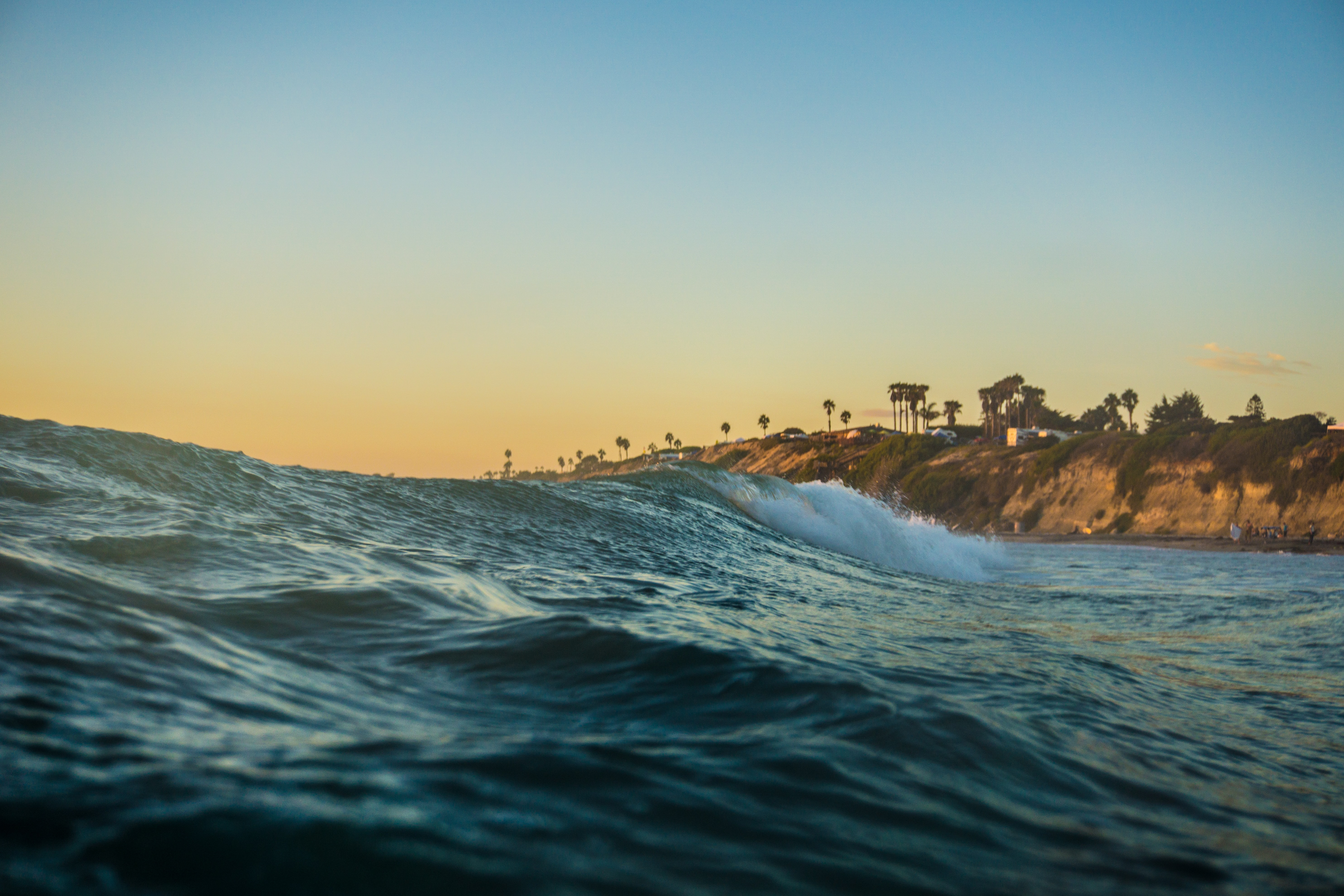 photography of ocean waves at daytime