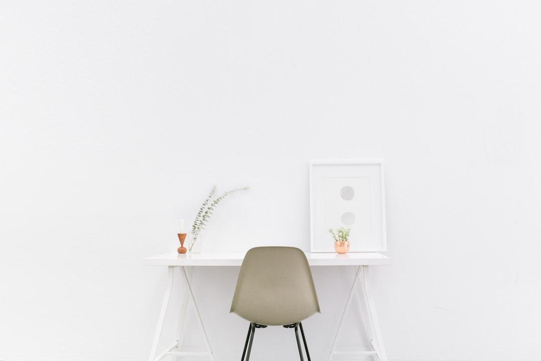 Minimalist white table