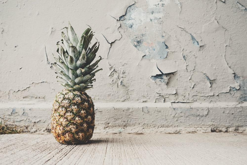 rule of thirds orange of pineapple