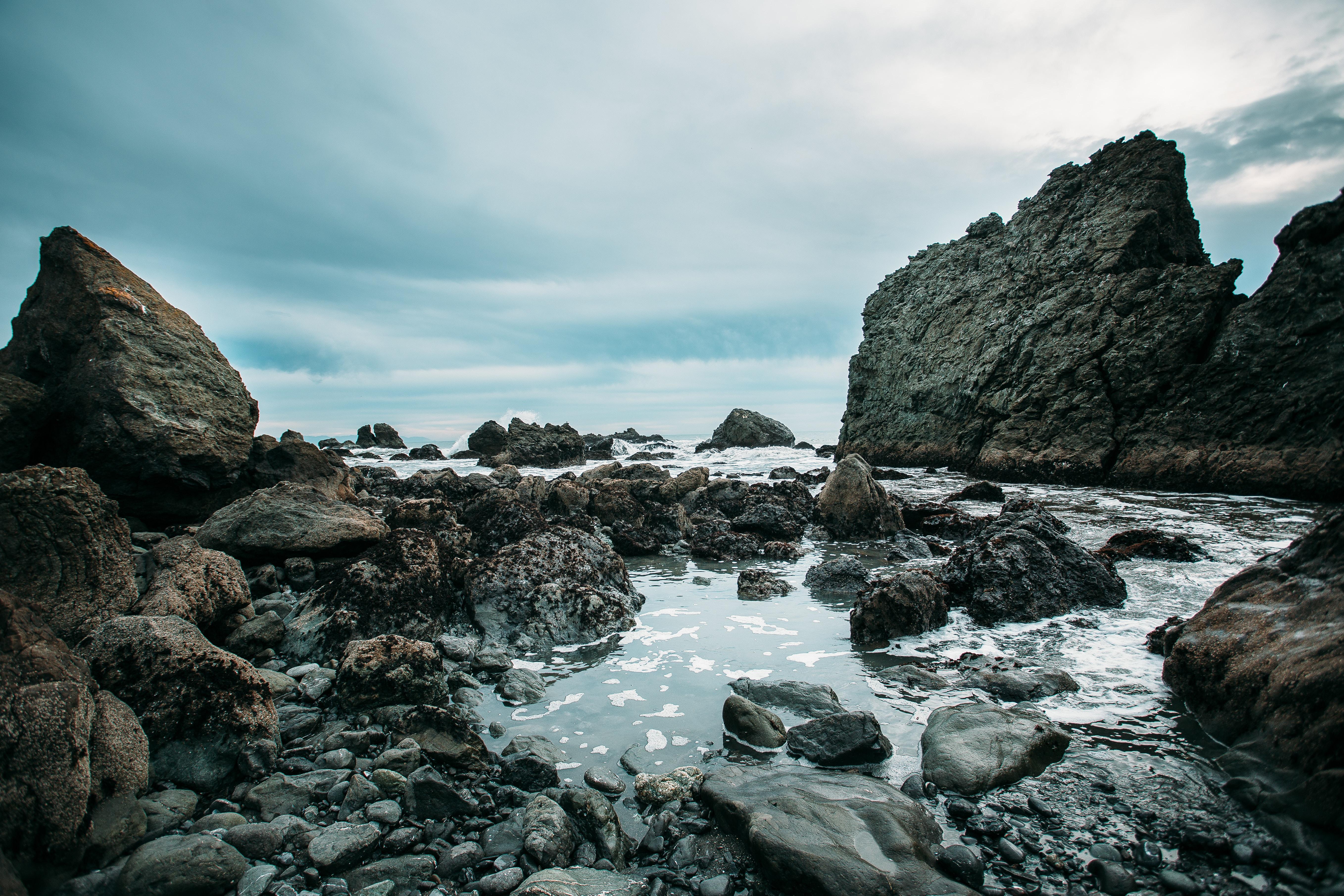 Rocky coastal lagoon at the Muir Beach