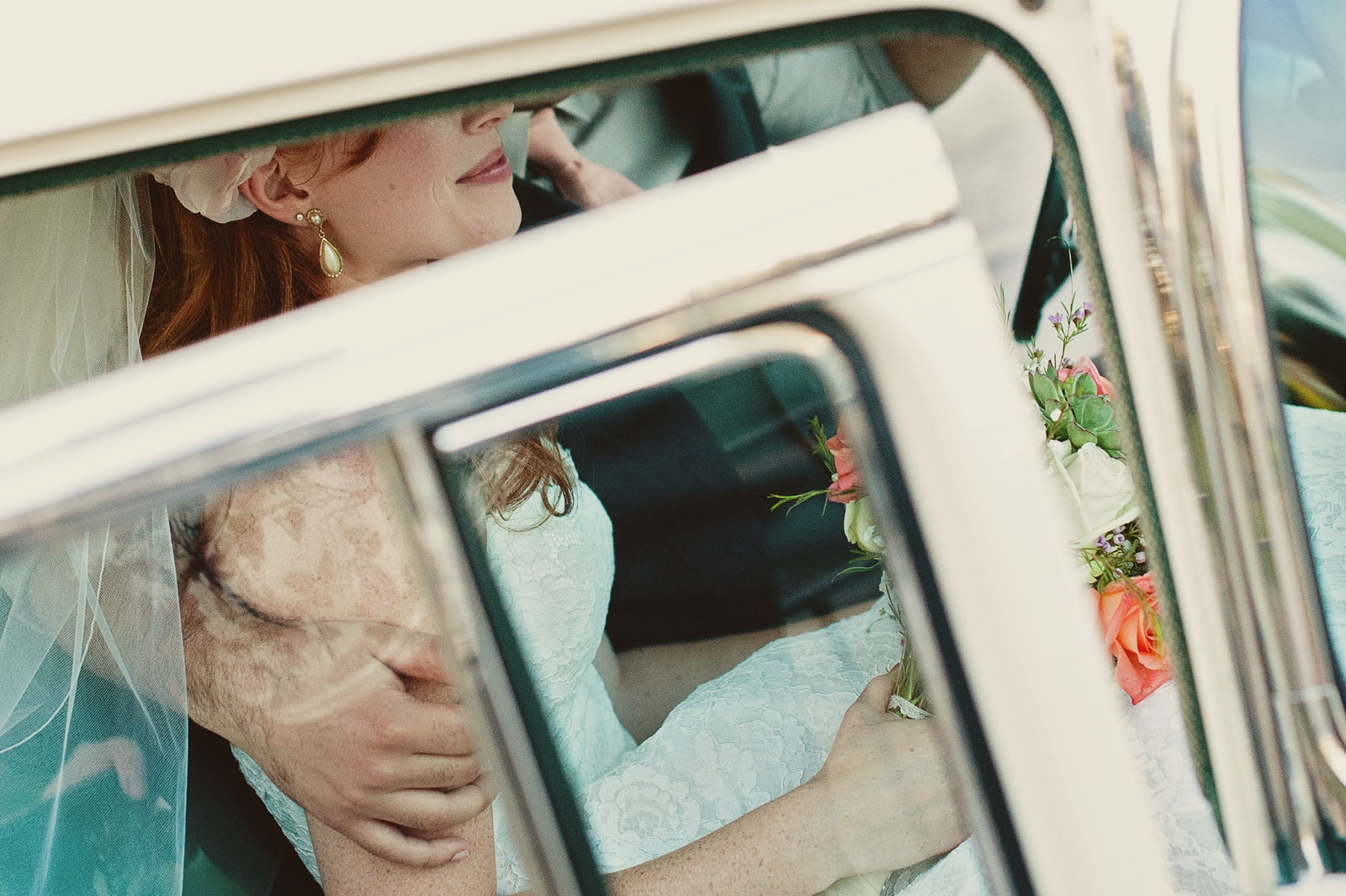 """Nikon D700 sample photo. """"Bride in white vehicle"""" photography"""