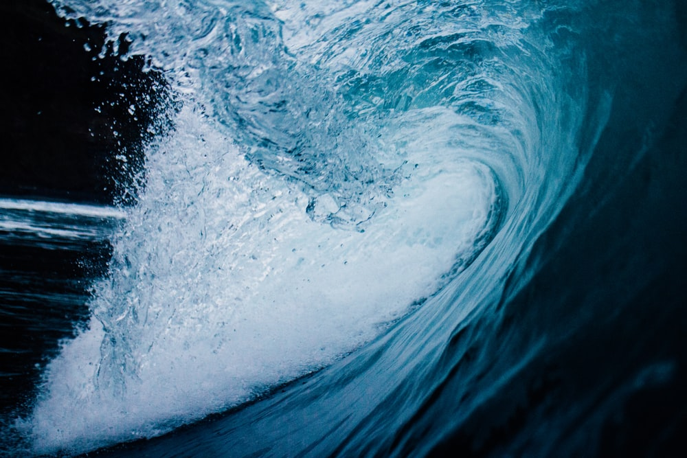 ocean tunnel wave