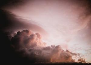 2240. Viharfelhők