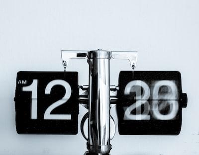 Analog timepiece