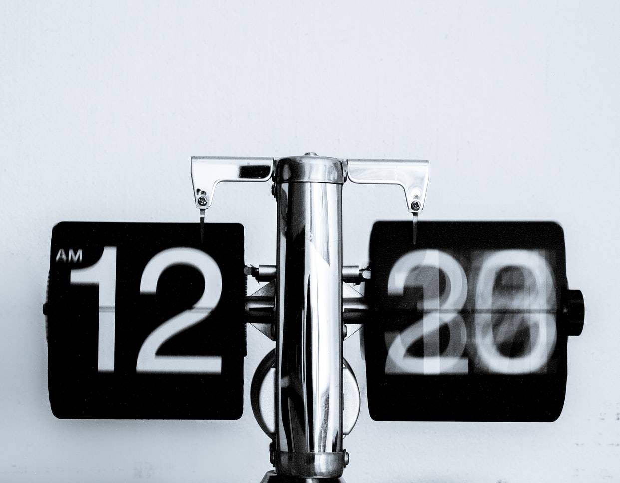 clock to illustrate time
