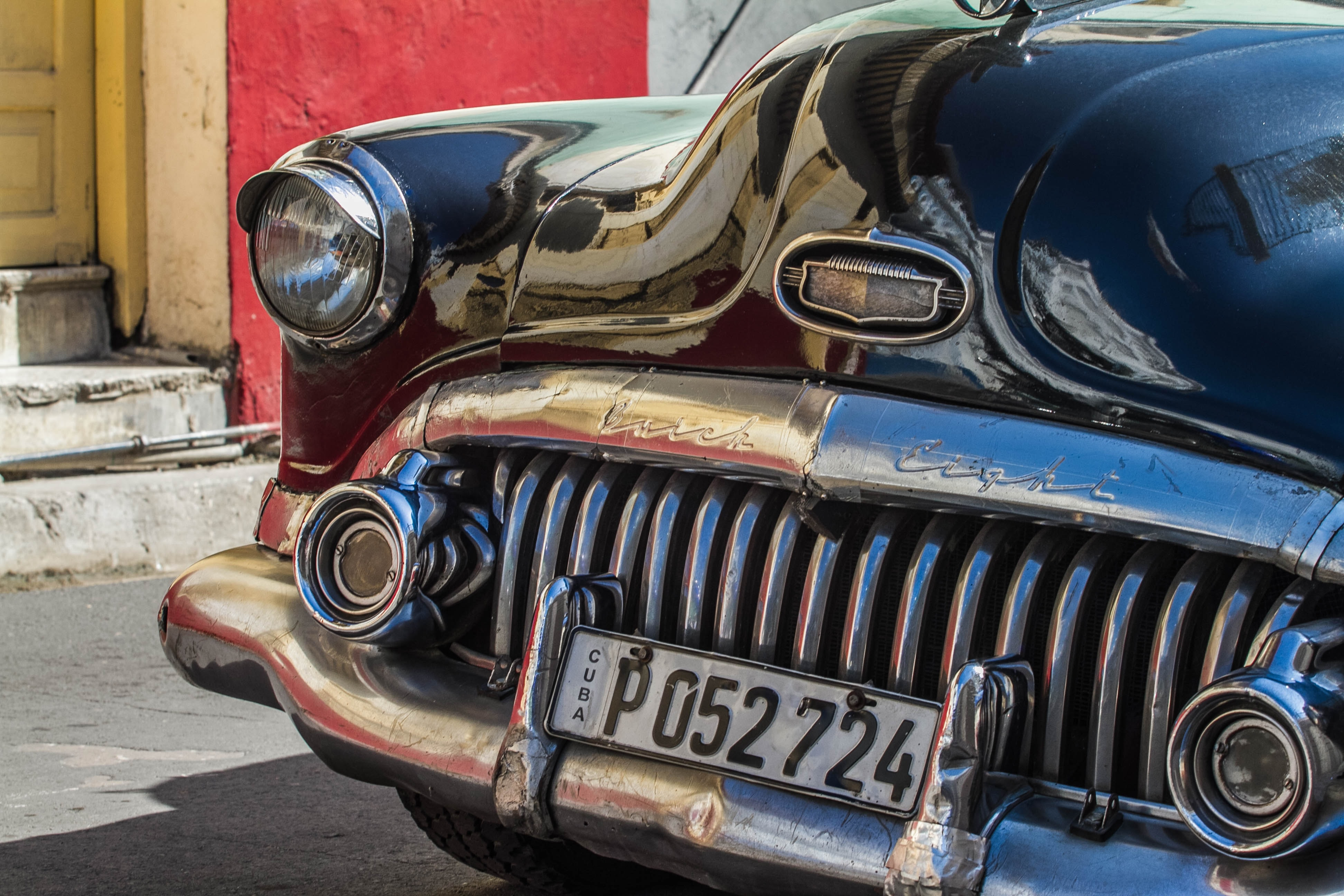 The grill of the vintage car parked in Santiago de Cuba.