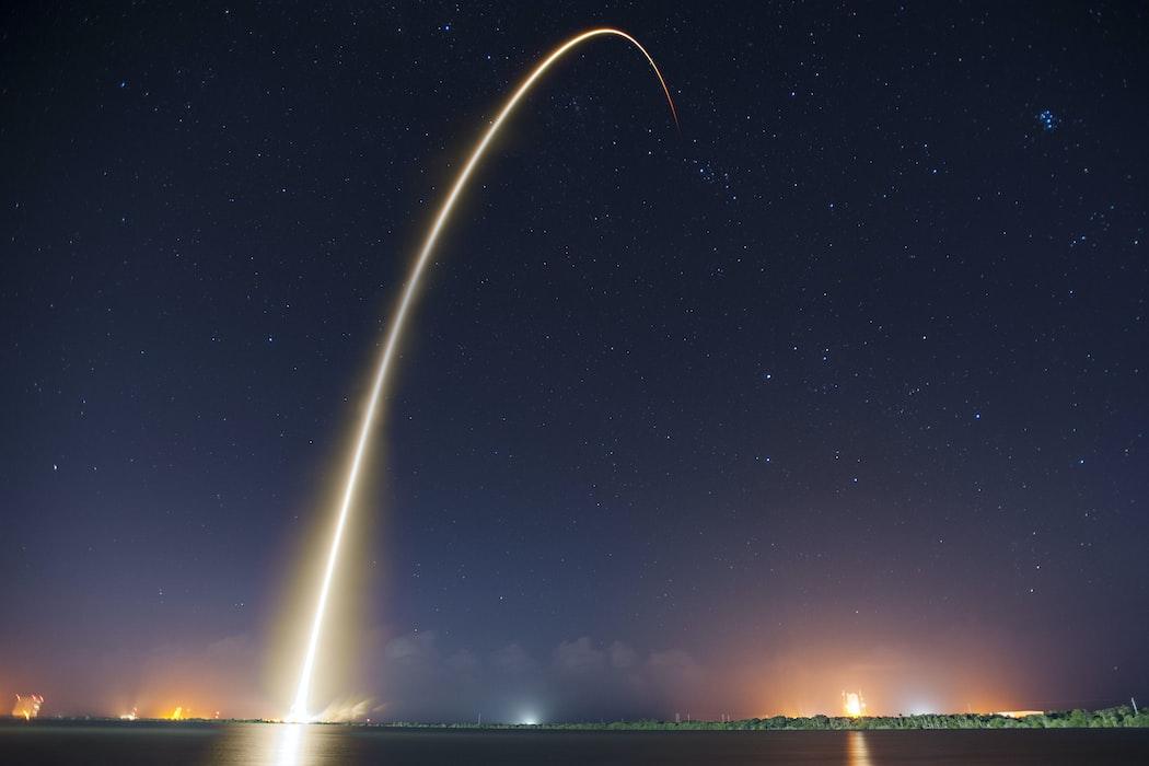 Звёздное небо и космос в картинках - Страница 7 Photo-1457365050282-c53d772ef8b2?ixlib=rb-1.2