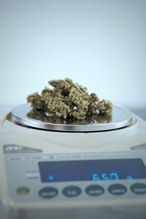 Dosing THC