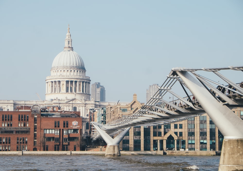 closeup photo of bridge