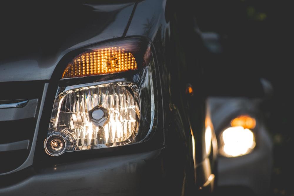 closeup photography of grey car