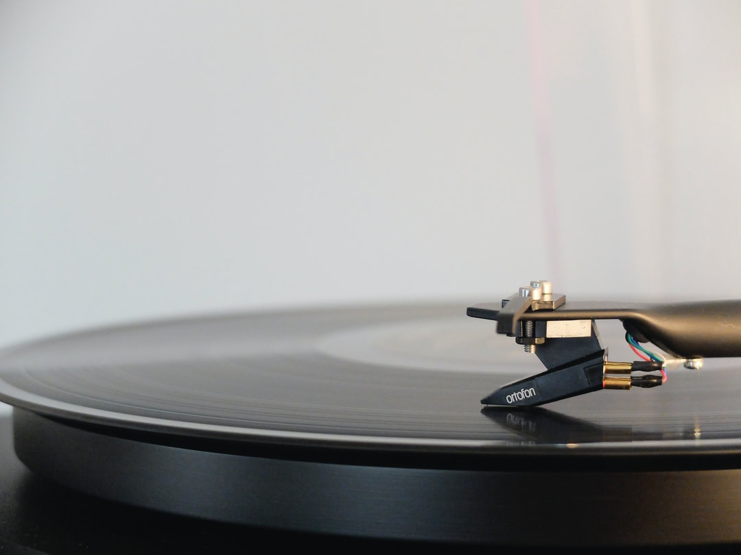 Vinyl record player lp and turntable hd photo by adrian for 80s deep house