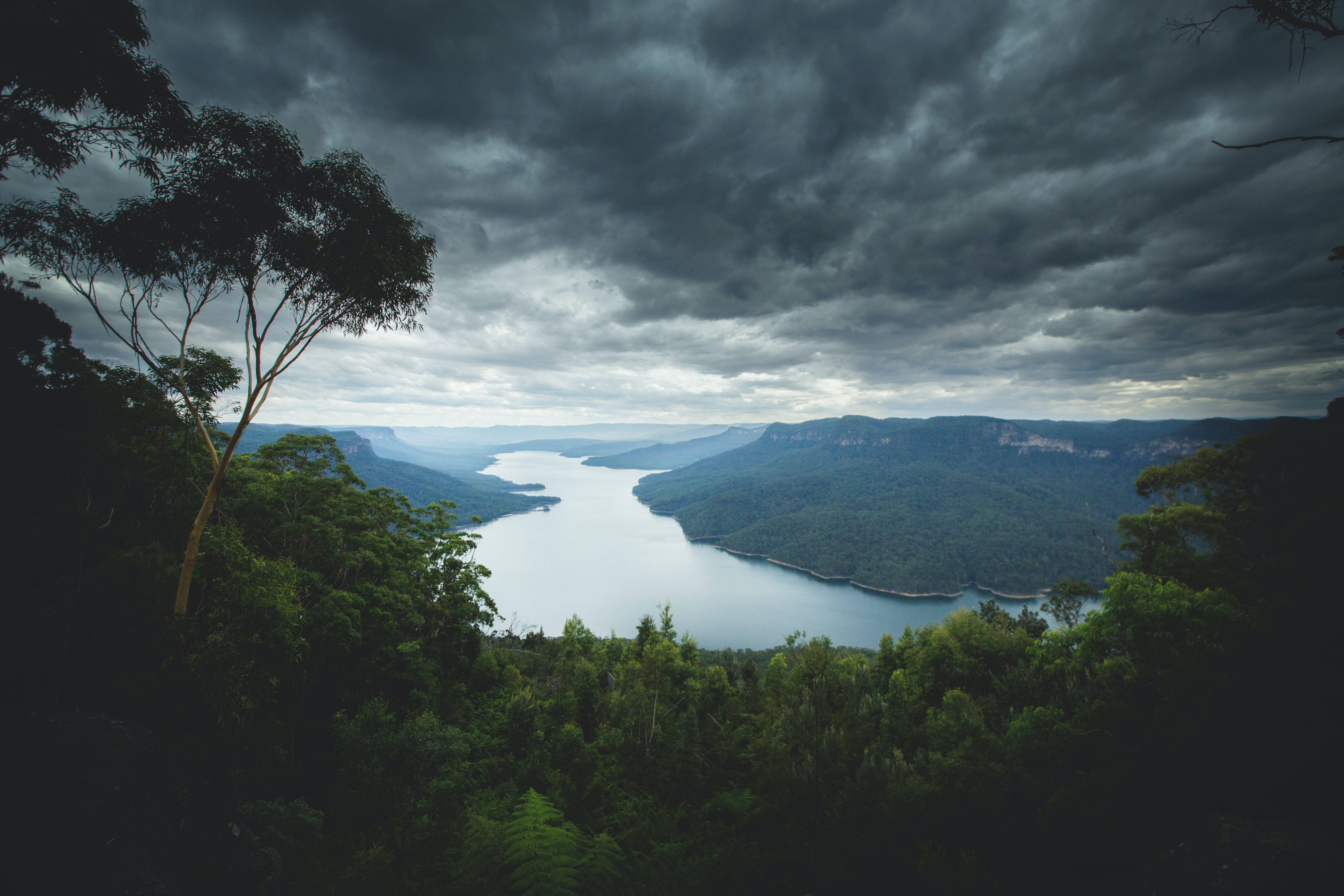 A lake in the Blue Mountains under overcast sky