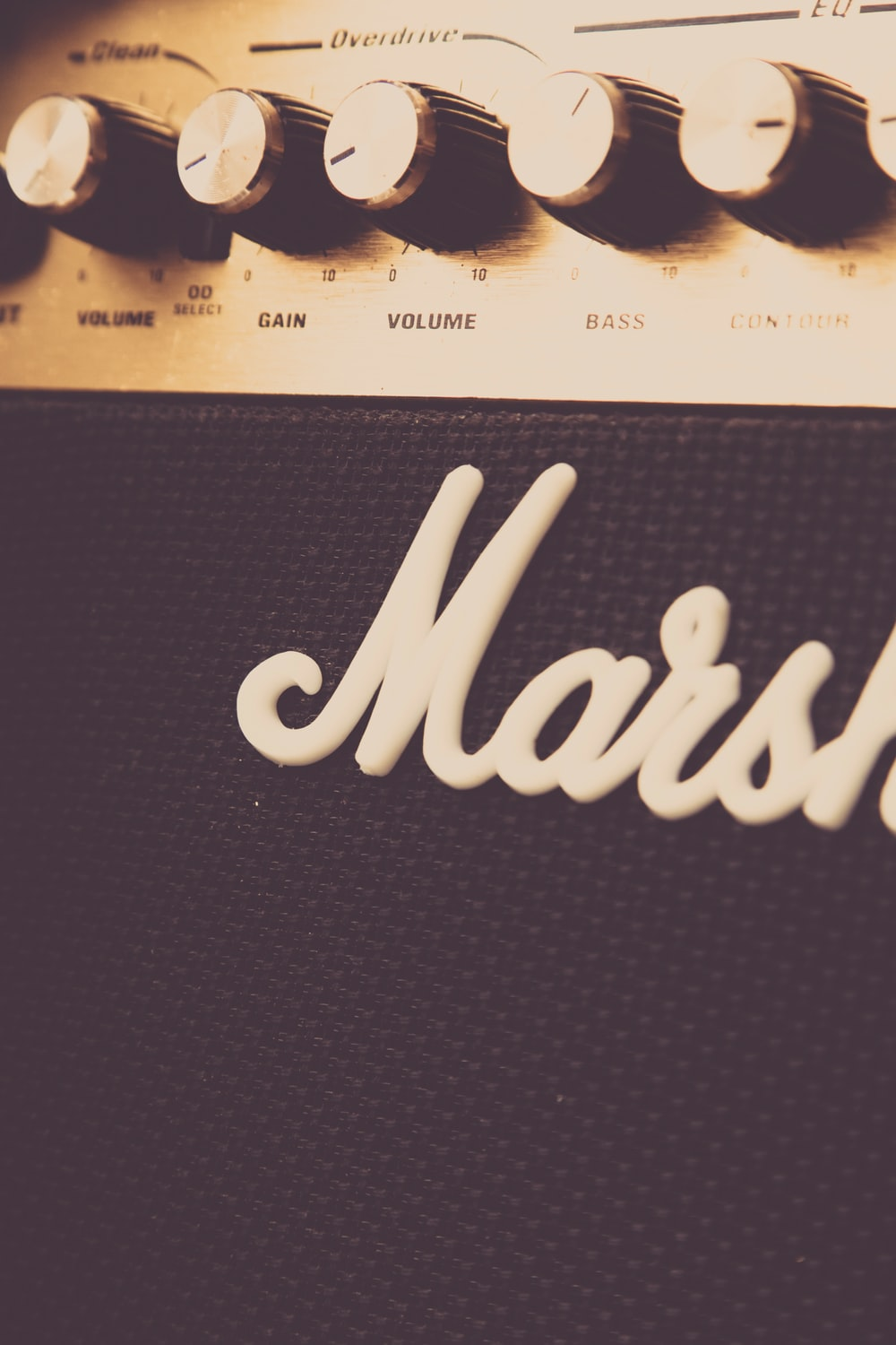 black and brown Marshall guitar amplifier