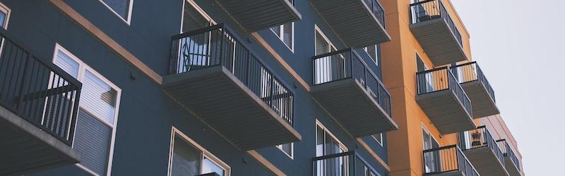 新型コロナによる家賃減額や猶予は大家の死活問題になる場合も。政府は支援策を発表。