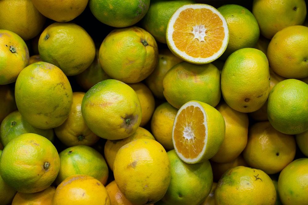 sliced green lemons