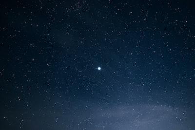 gwiazda-na-niebie