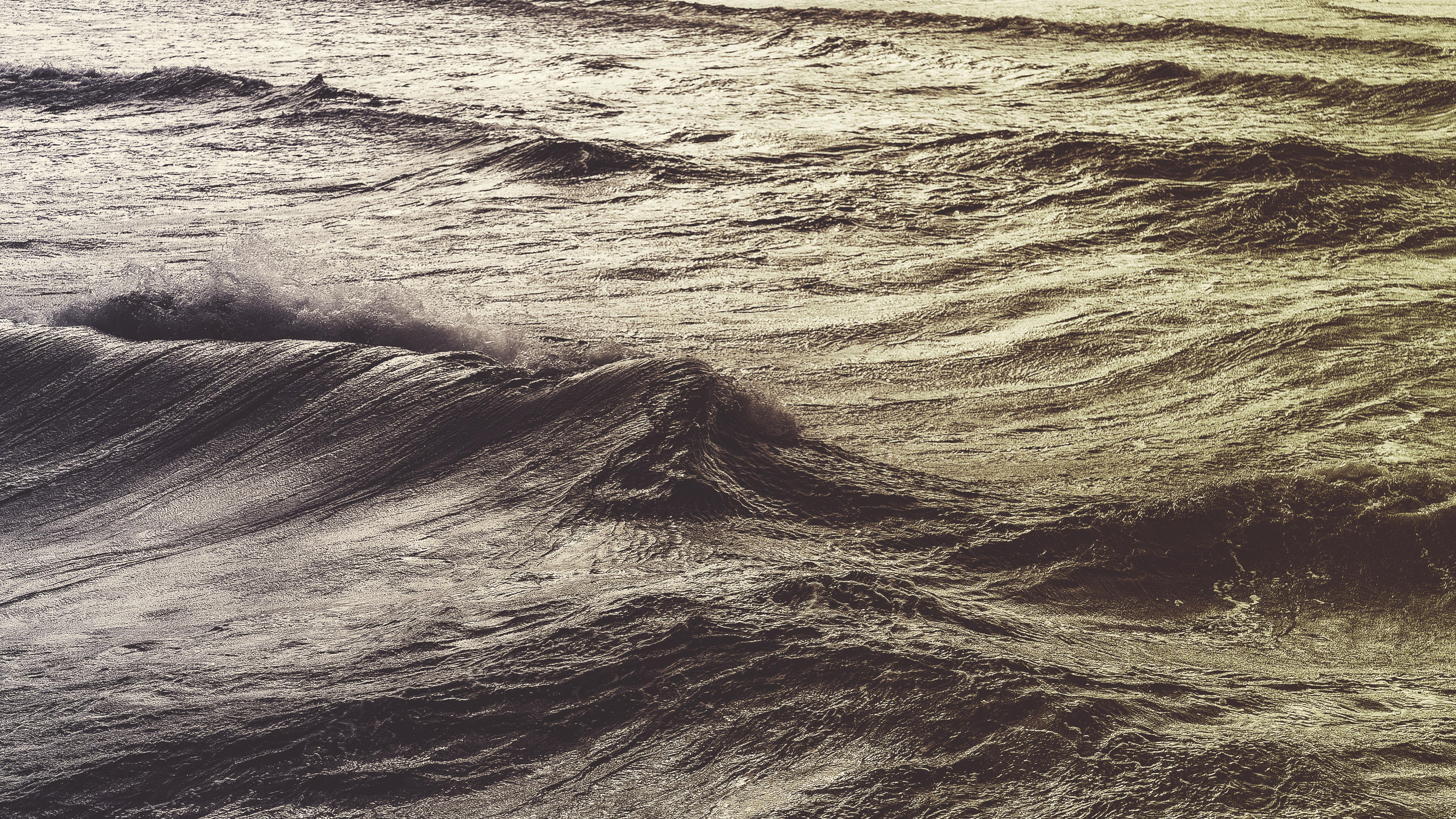 Ocean waves rippling at Glenelg Beach