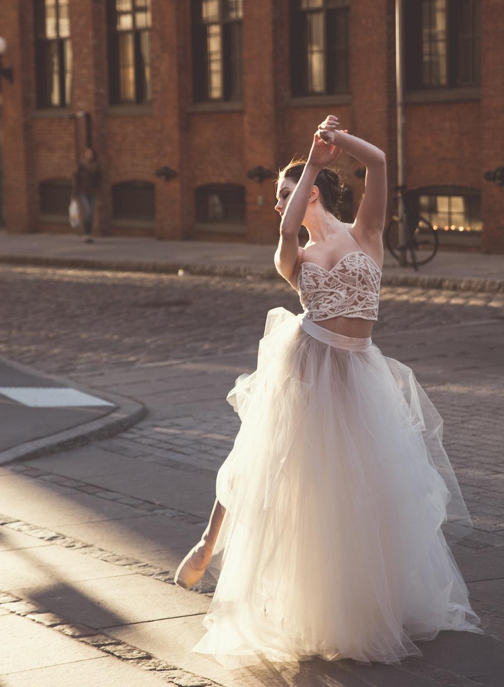 women's white floral sweetheart neckline dress dancing