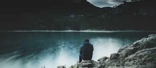 """חרדת מוות - גישה התנהגותית־קוגניטיבית: סקירת מאמרם של ד""""ר פטרישיה פירר וד""""ר ג'ון ווקר"""