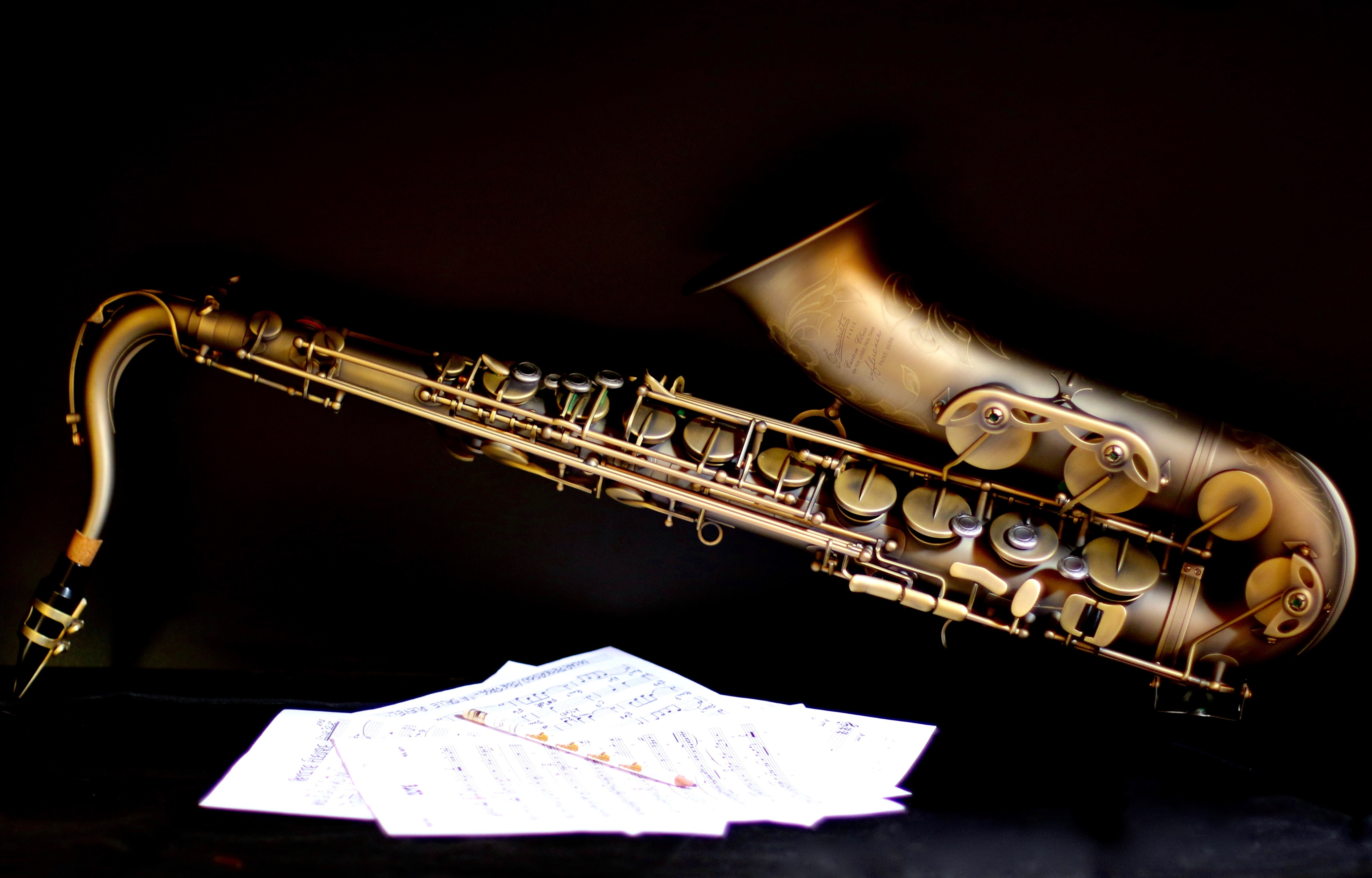 music background with trumpet vector free download