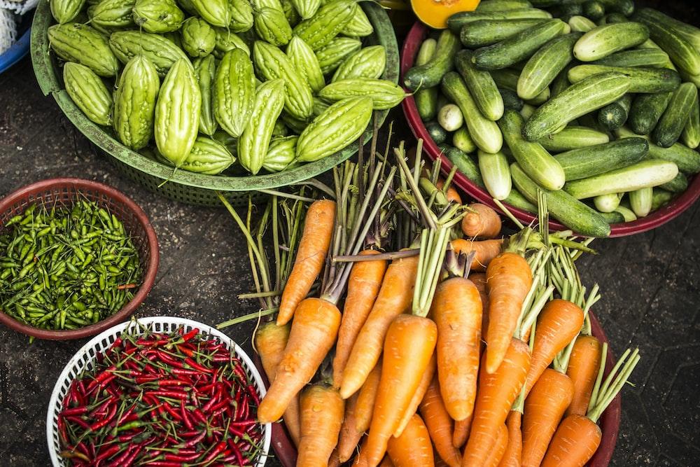bundle of assorted vegetable lot