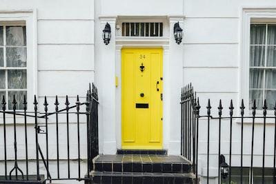 London closed yellow door