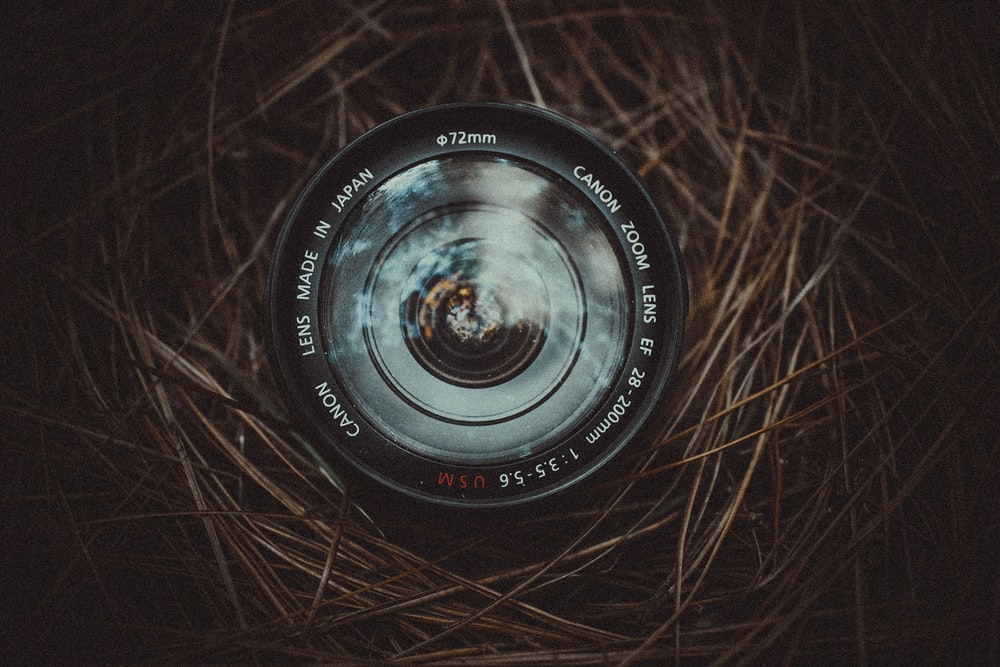 closeup photo of black camera lens