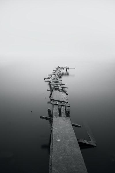 monochrome crooked jetty