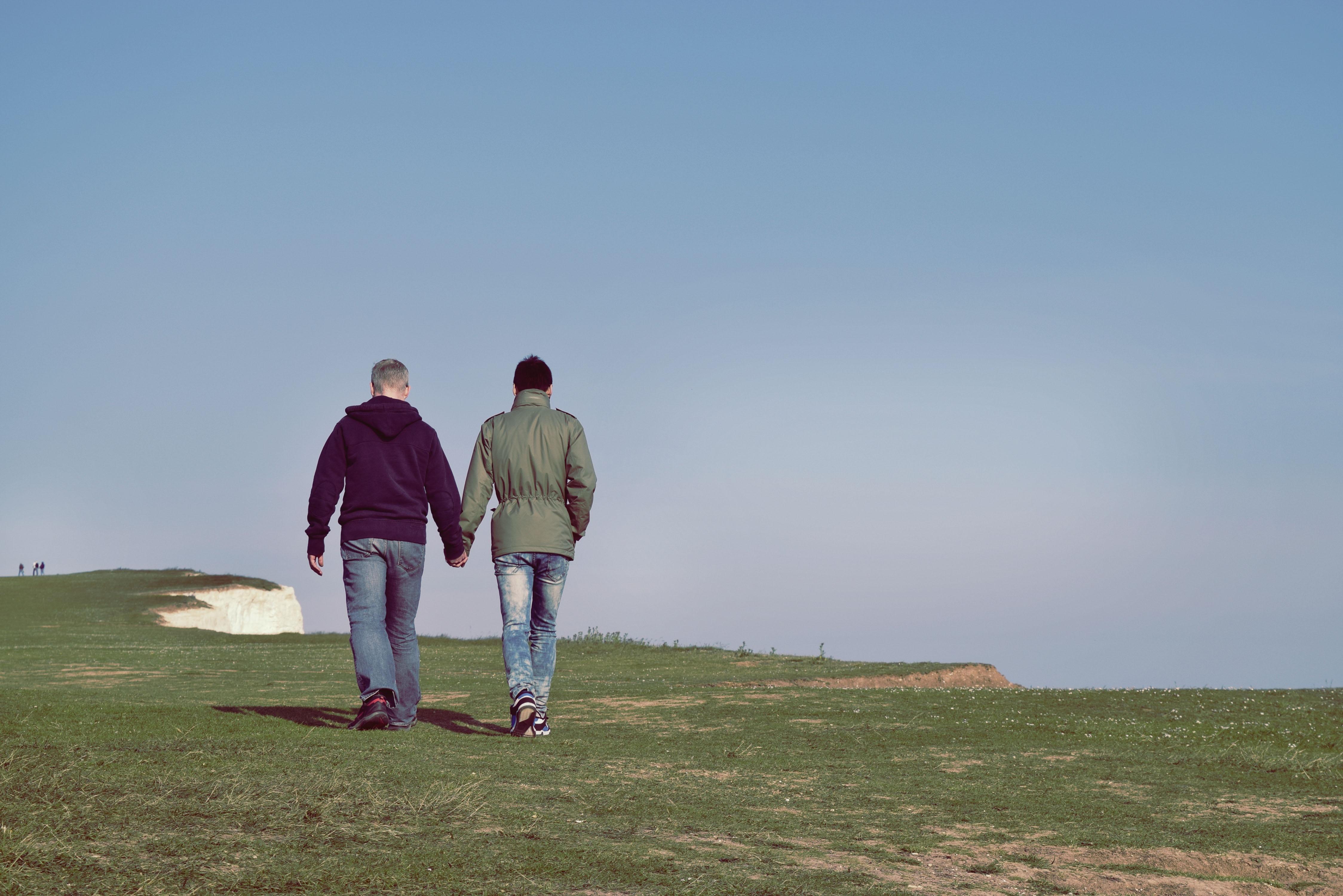 Des Annonces Et Des Plans Cul Gay à Marseille Avec Un Travesti