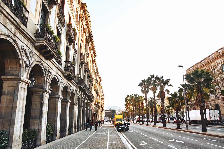 Passeig d'Isabel II, Barcelona, Spain | Dennis van den Worm on Unsplash