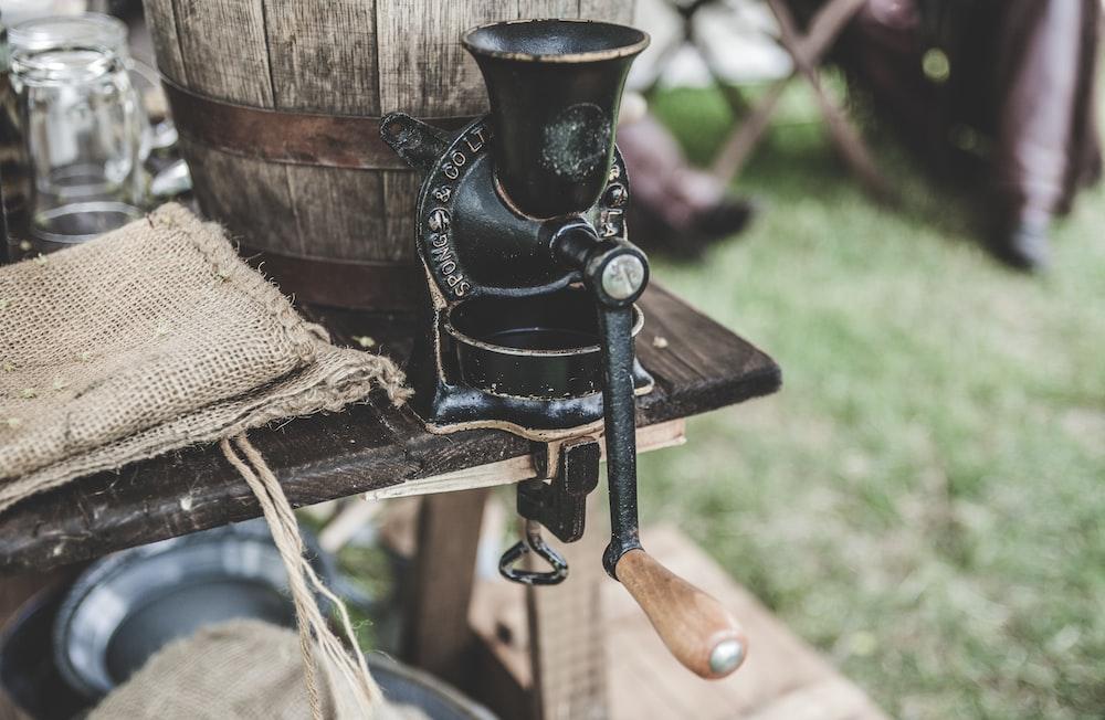 black steering tool