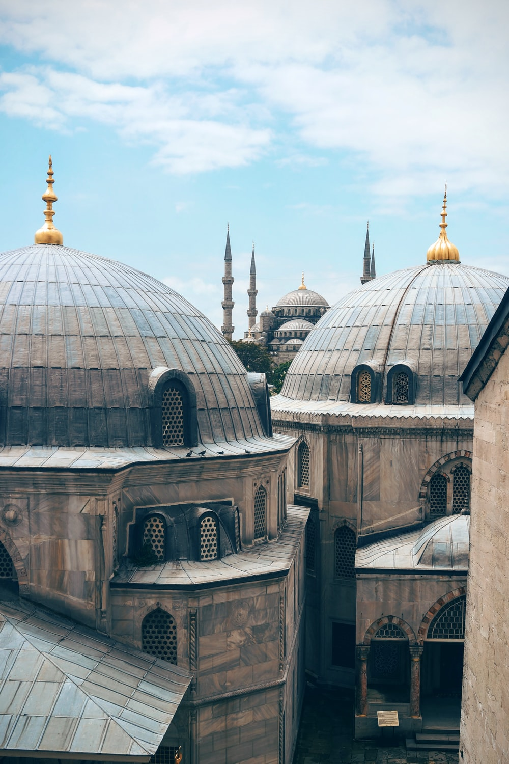 photography of mosque buildings
