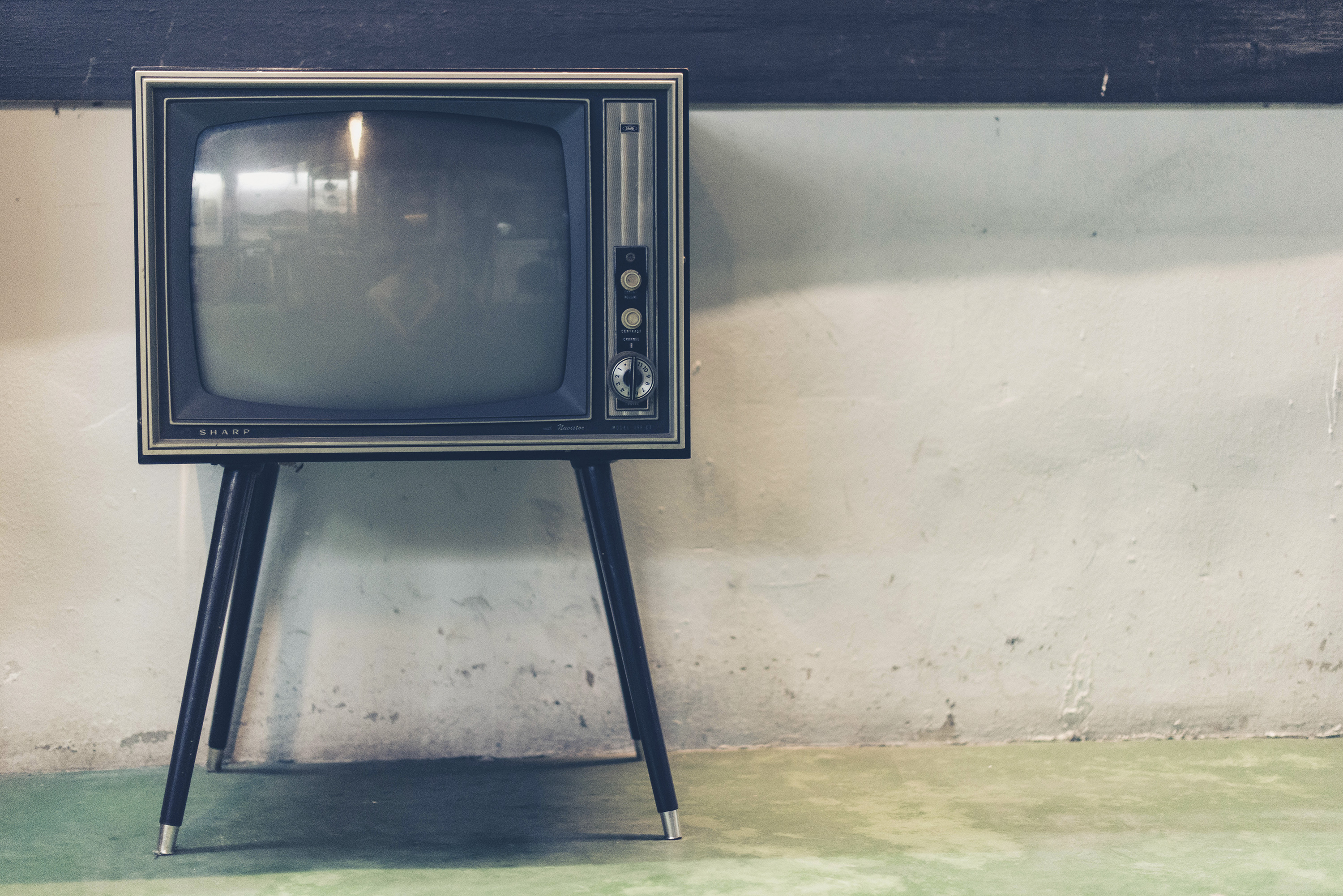 Turn Off  displays centrally in piSignage - with TV_OFF feature.