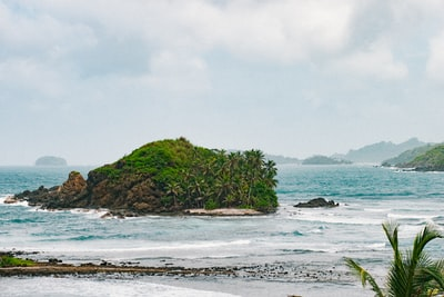 island surrounded by body of water panama zoom background