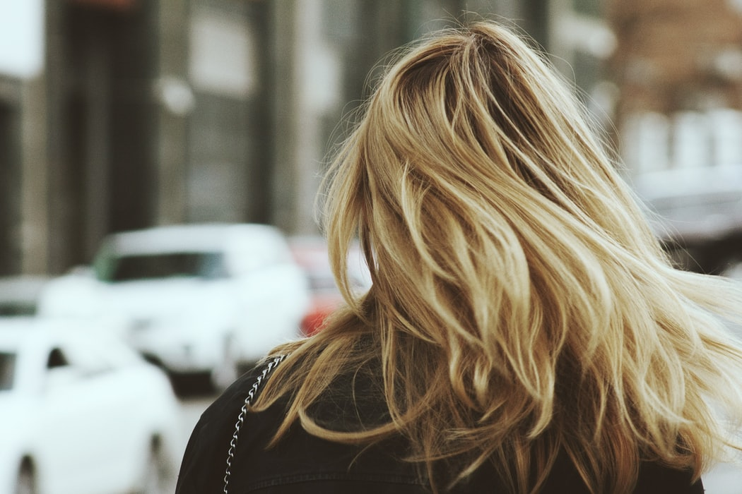 Women's hair is about half the diameter of men's hair