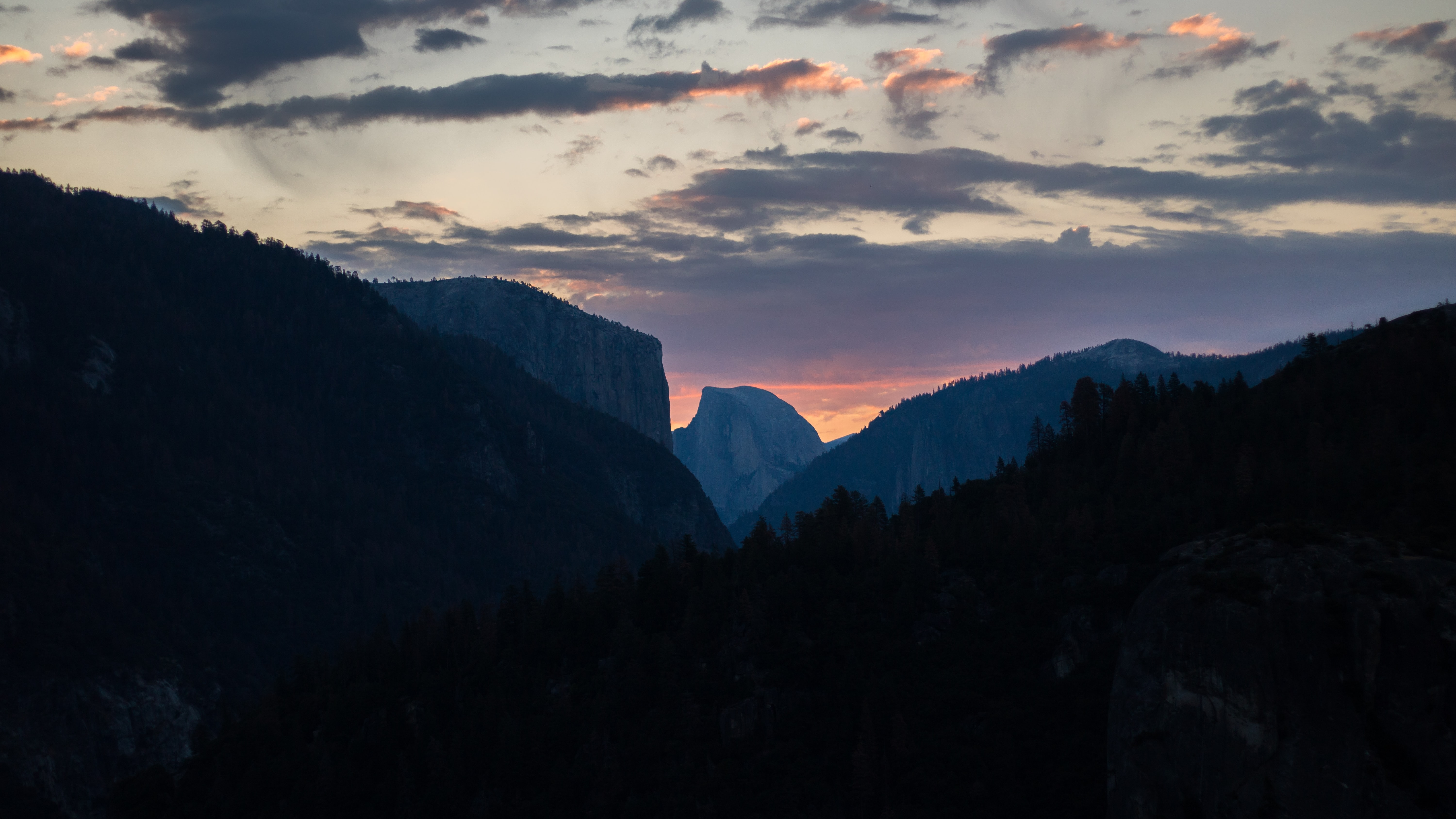 Distant view of Yosemite Valley in the evening