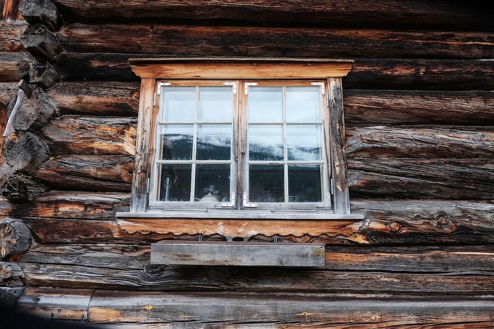 clear glass windowpane