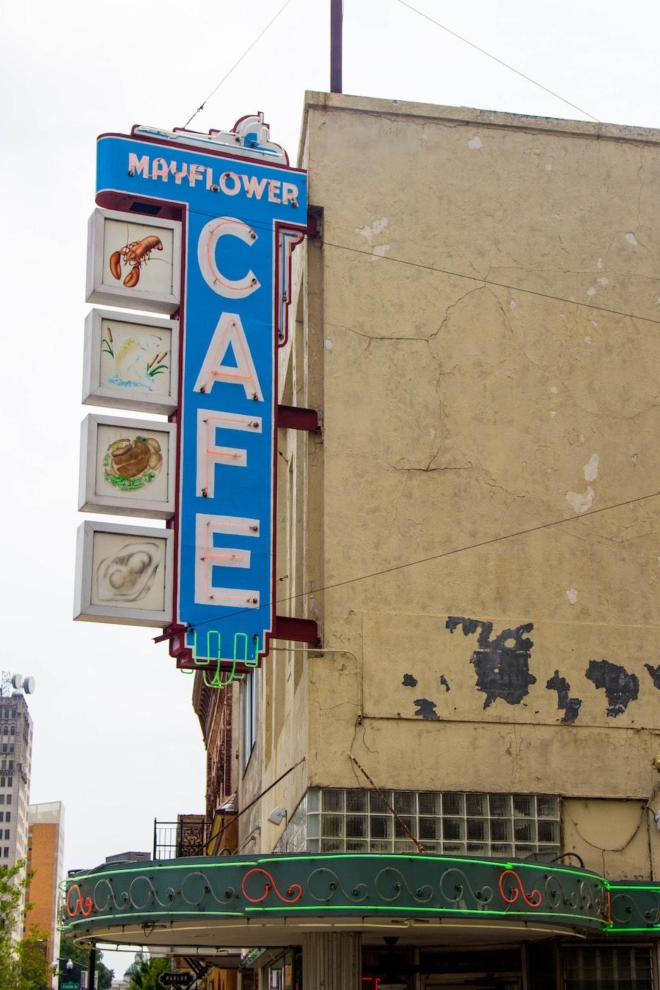 cafe in jackson mississippi