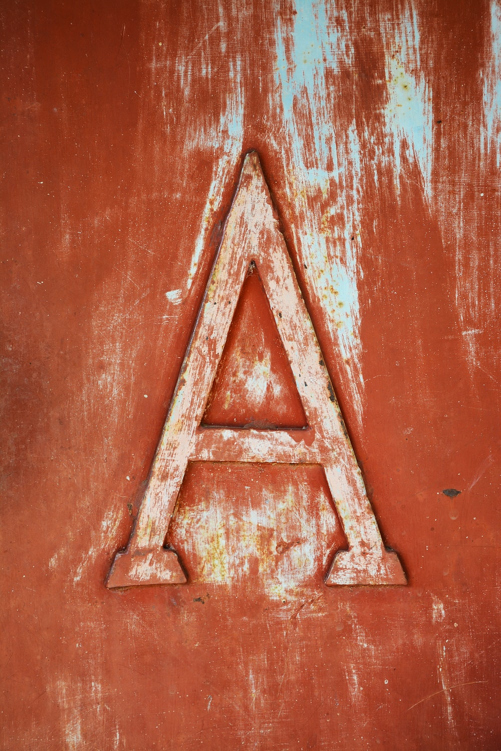 close-up photo of metal a-cut plate