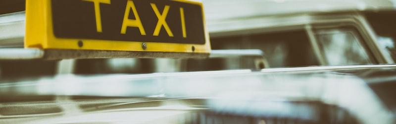 各地で広がるおつかいタクシー。不況のタクシー業界を支える一手になるか?