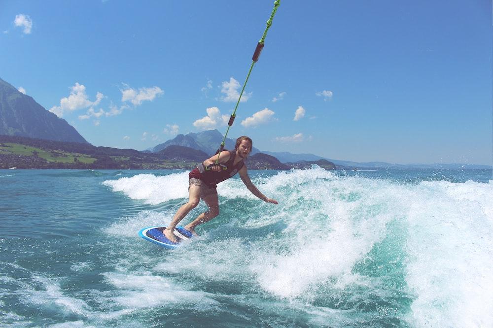 ウェイクサーフィンはどこで体験できる?