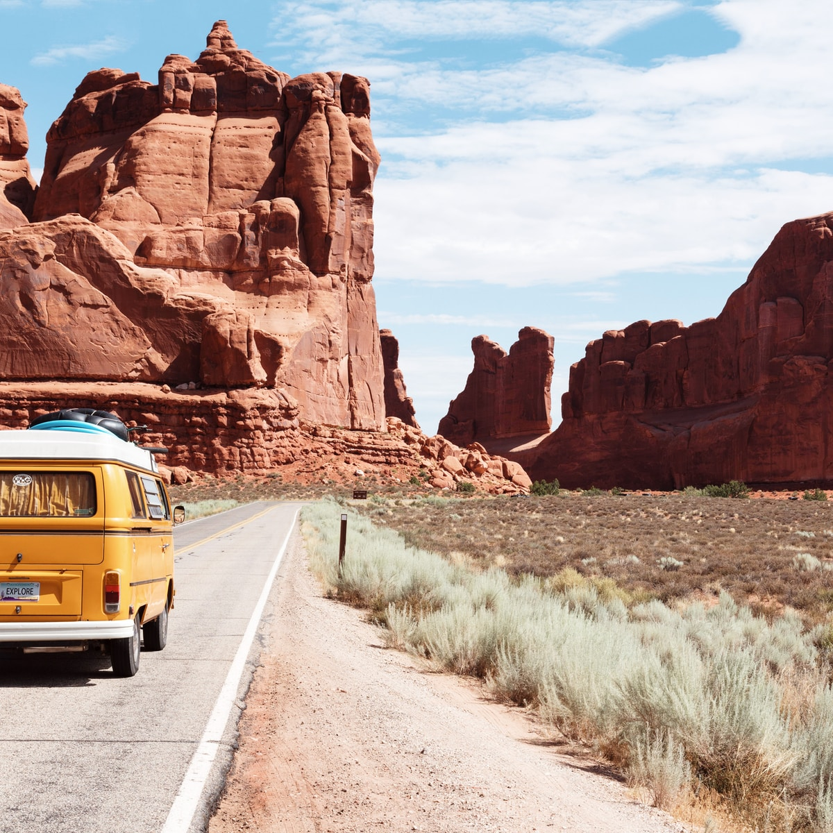 17 Top Road Trip Packing List Essentials & Things To Avoid