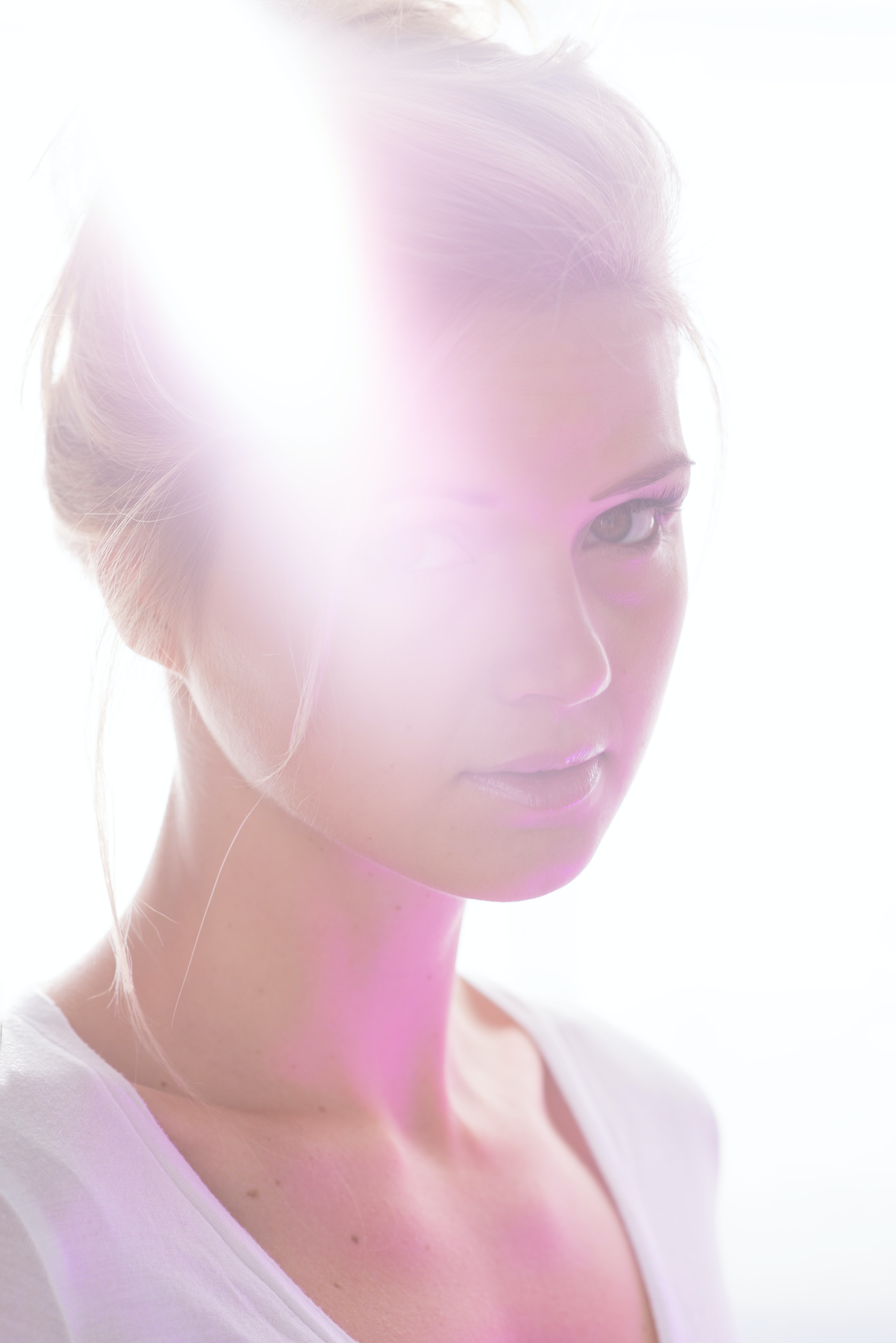woman wearing white scoop-neck shirt