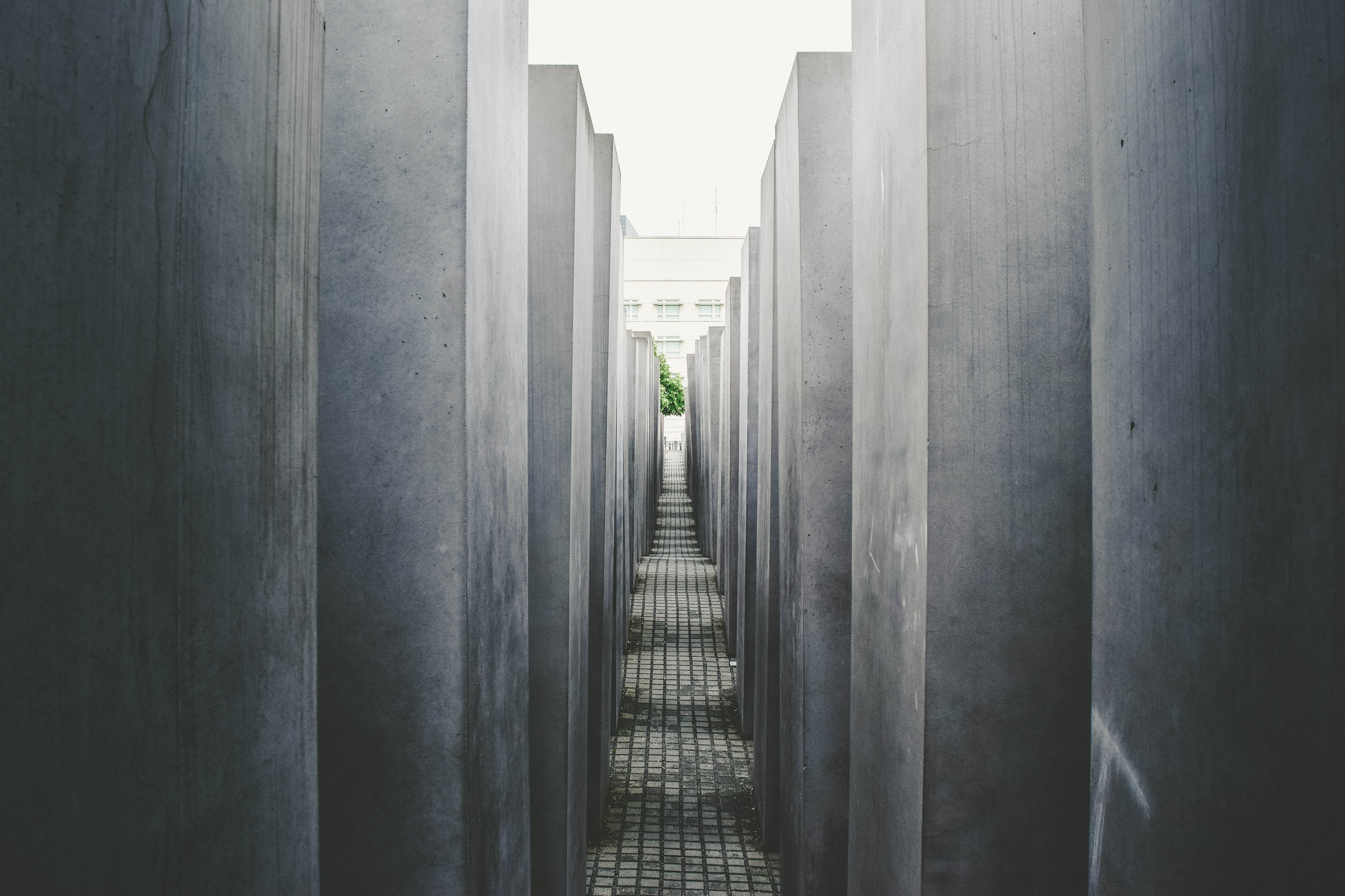 The narrow hallway leading through a piece of Berlin architecture