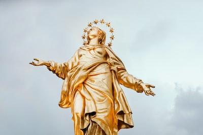 Mother of Jesus statuette