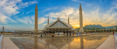 4-post museum under golden hour pakistan teams background