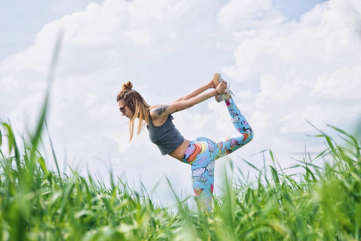 Estirar, estar en forma, salud física y mental
