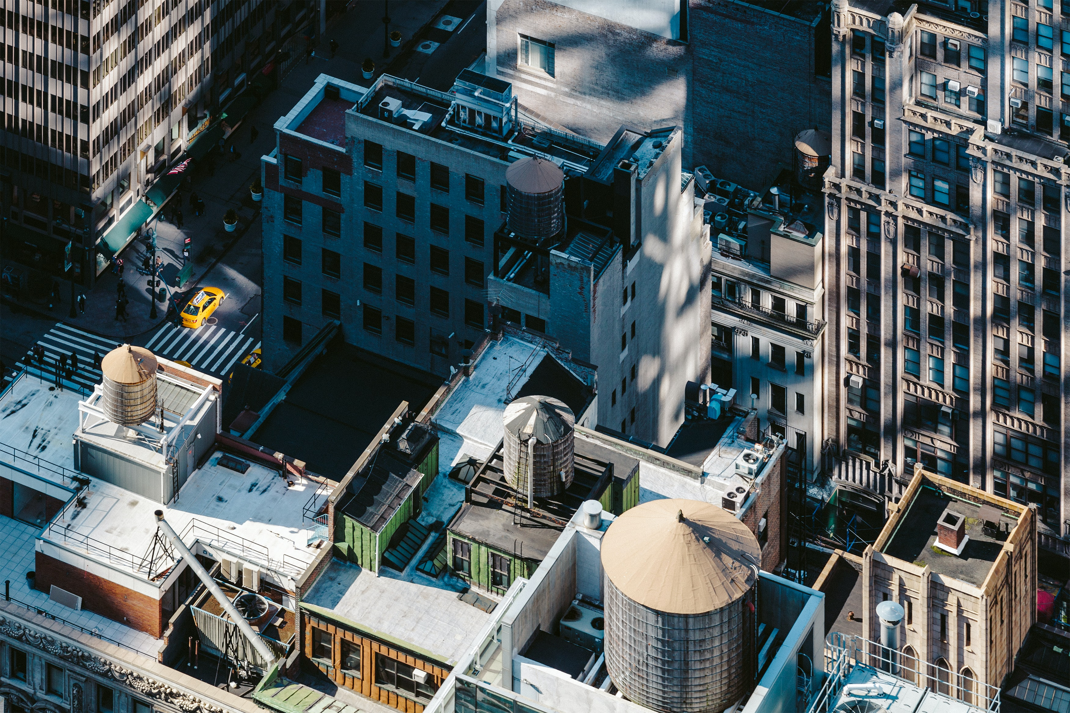 A high view of apartment building roofs in Manhattan
