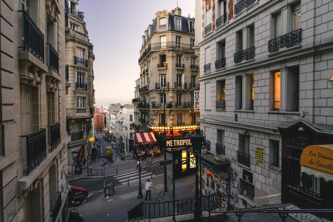 Montmartre streets at dusk