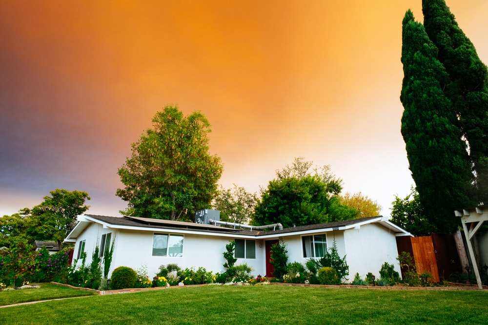 landscape photography of bungalow house